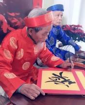 Nhiều người Việt đi du lịch dịp Tết cổ truyền