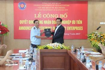 LG Việt Nam nhận chứng nhận DN ưu tiên