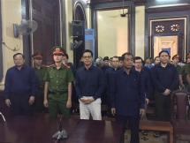 dai gia tram be phai moc tui boi thuong cho ngan hang phuong nam bao nhieu