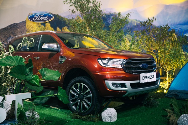 ford everest 2018 xuat hien lam nong thi truong suv