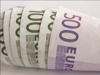 """Đồng euro """"hấp hối"""""""