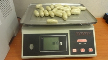 Nuốt 5,2 kg heroin để tránh kiểm soát của hải quan