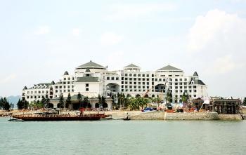 Khách sạn nghỉ dưỡng biển cao cấp VinPearl Hạ Long