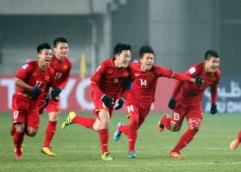 Hanoi Red Tour và Vietnam Airlines tiếp lửa đội tuyển Việt Nam chinh phục Cup vàng tại AFF 2018