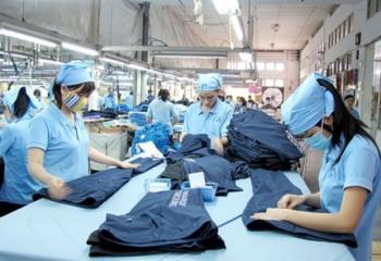 Gia công hàng hóa cho thương nhân nước ngoài: Bài toán được - mất