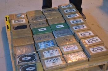 Thu giữ 48 kg cocaine vận chuyển từ Ecuador