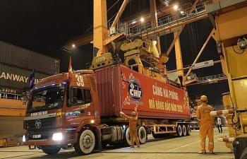 Hơn 1.000 container đầu tiên làm thủ tụctại cảng Hải Phòng năm 2020