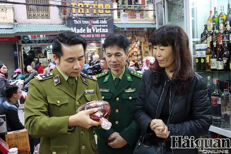 kiem tra cong tac chong buon lau dip tet tai san bay noi bai cho dong xuan