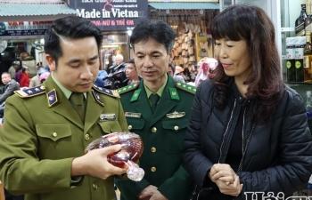 Kiểm tra công tác chống buôn lậu dịp Tết tại sân bay Nội Bài, chợ Đồng Xuân