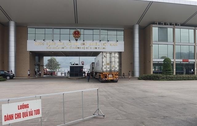 Thu phí hạ tầng cửa khẩu tại Lào Cai giảm mạnh