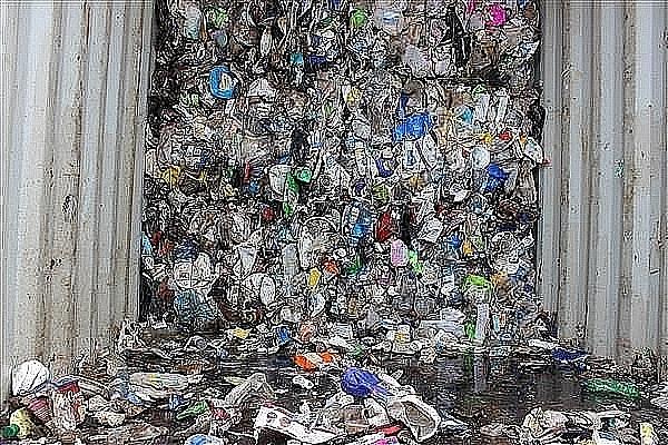 Phế liệu nhựa nhập khẩu do lực lượng Hải quan phát hiện, bắt giữ tại cảng Hải Phòng năm 2018. Ảnh: Ngọc Linh.