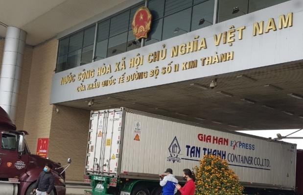 Dịp nghỉ Tết Tân Sửu, Hải quan cửa khẩu Lào Cai thông quan hơn 21.000 tấn hàng