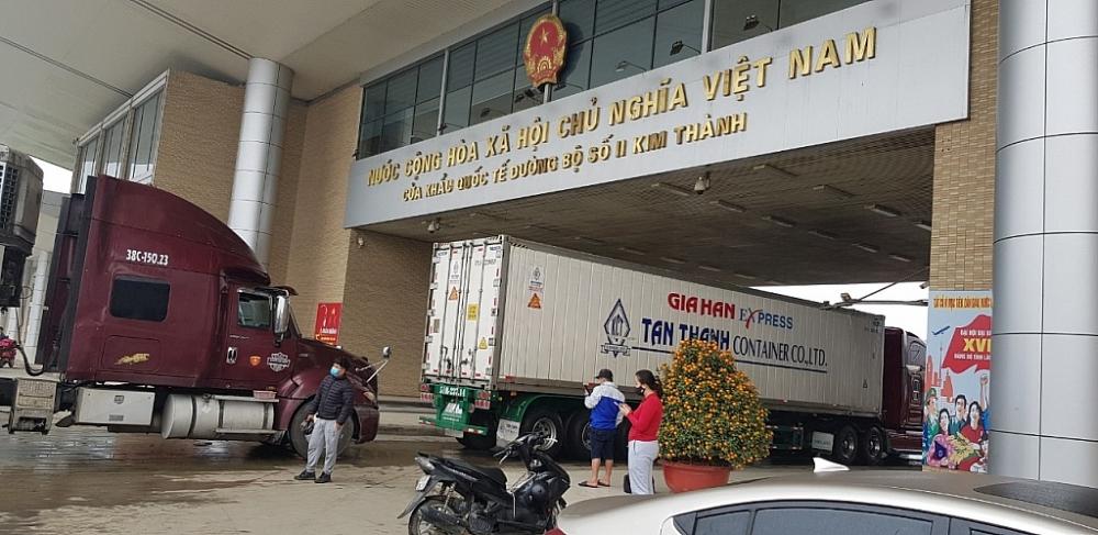 Hoạt động xuất nhập khẩu tại cửa khẩu quốc tết đường bộ số II Kim Thành, Lào Cai