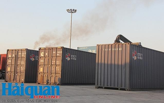 khoi to vu buon lau 5 container tai ga yen vien