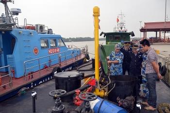 Hải quan và Cảnh sát biển tạm giữ 23.000 lít dầu không rõ nguồn gốc tại Hải Phòng