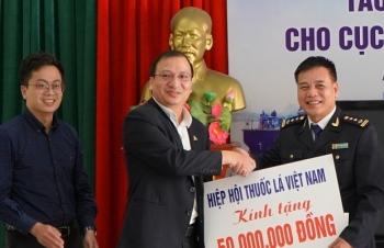 Trao thưởng thành tích triệt phá hơn 3 triệu bao thuốc lá lậu