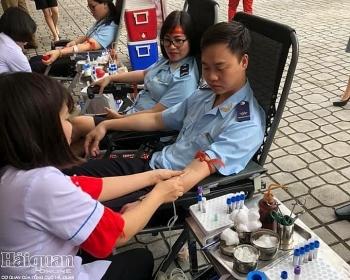 Công chức Hải quan Hà Giang hiến máu tình nguyện