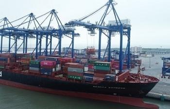 Hải quan giải quyết thủ tục nhanh cho tàu hơn 100.000 tấn cập cảng HICT