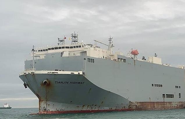 Gần 2.000 ô tô trên tàu Ro Ro đã được xếp dỡ xuống cảng Tân Vũ