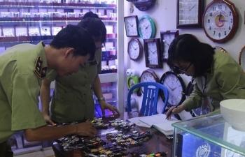 Tạm giữ gần 1.300 đồng hồ nghi giả nhãn hiệu ROLEX, PATEK PHILIPPE…