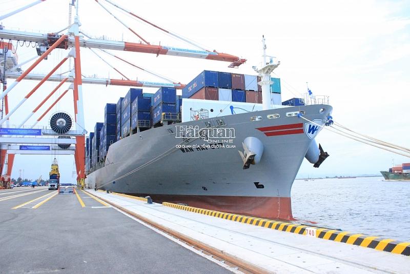 hai quan lam thu tuc cho 90000 container o cang container quoc te hai phong