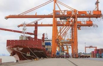 Thêm một tàu lớn cập cảng Tân Vũ, Hải Phòng