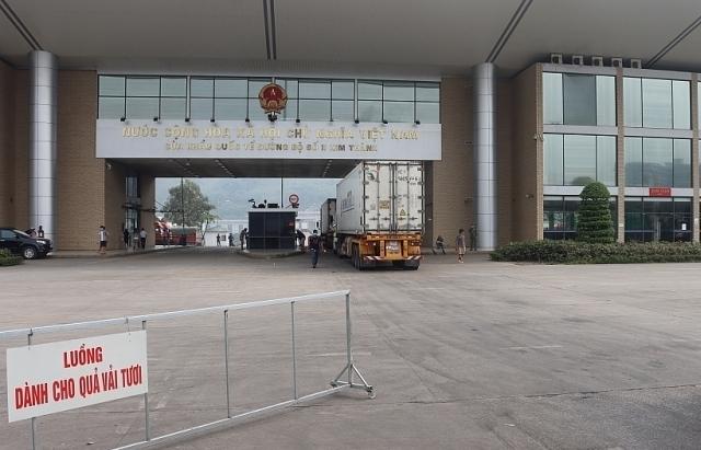 Lào Cai thu phí xét nghiệm SARS-CoV-2 với tài xế ngoại tỉnh chở hàng lên cửa khẩu