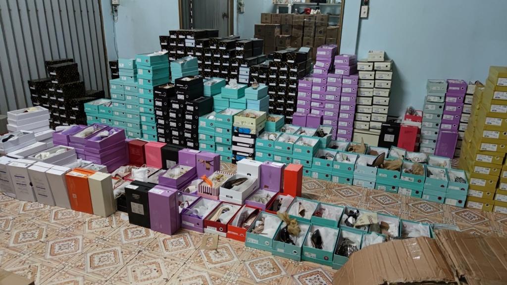 Thu giữ 1.000 sản phẩm liên quan đến kênh bán hàng online
