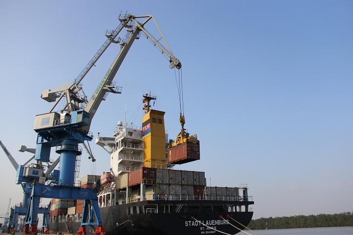 Xuất nhập khẩu của doanh nghiệp FDI tăng hơn 44 tỷ USD