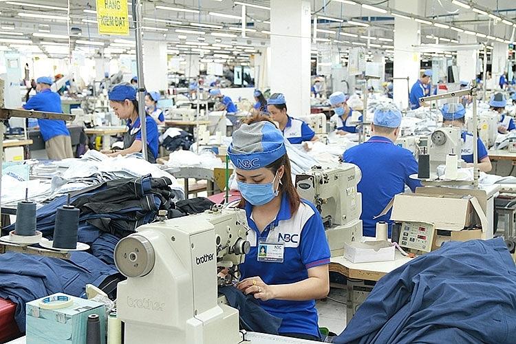 Đạt hơn 8 tỷ USD, nhập khẩu nguyên phụ liệu dệt may, da giày tăng cao