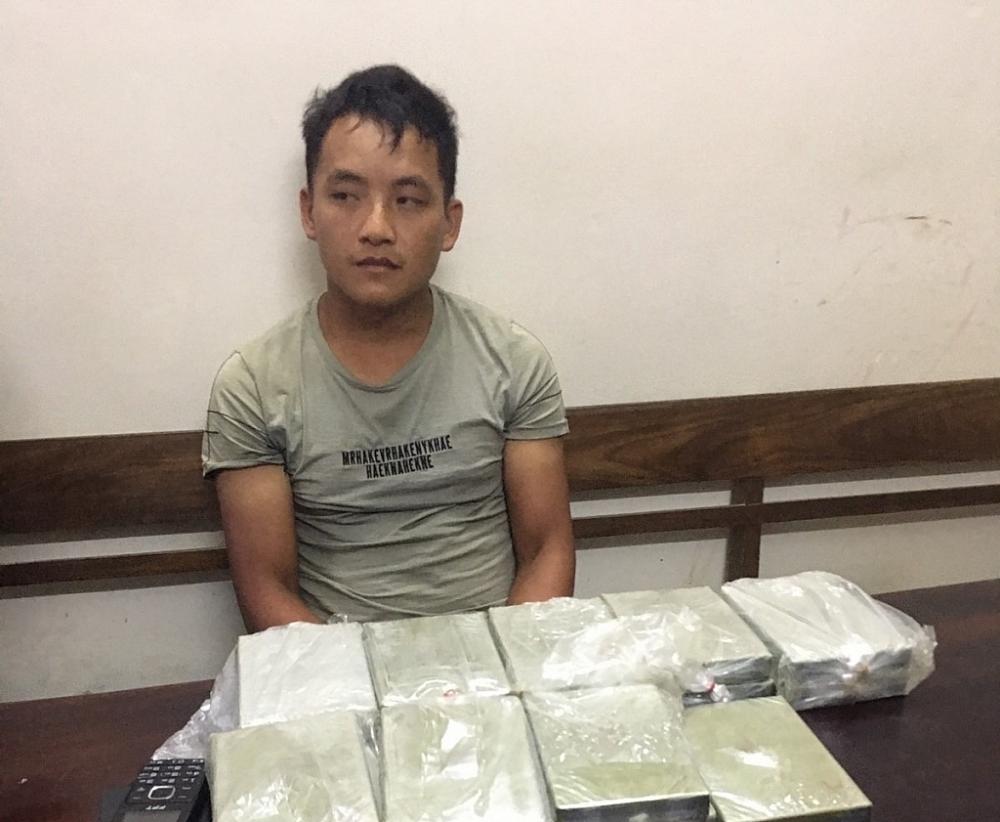 tiep tuc bat giu 17 banh heroin trong chuyen an dt 120