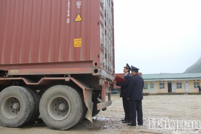 Tổng cục Hải quan chỉ đạo quản lý tạm nhập tái xuất qua cửa khẩu phụ, lối mở Cao Bằng