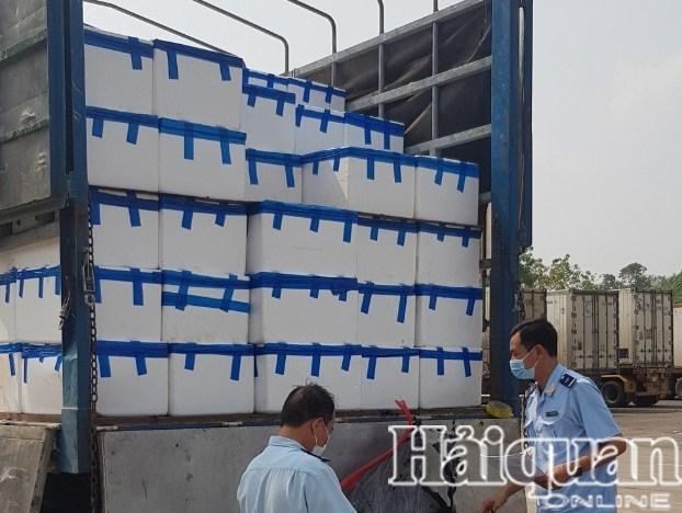 Hình ảnh Hải quan Lào Cai thông quan hơn 7.000 tấn vải thiều