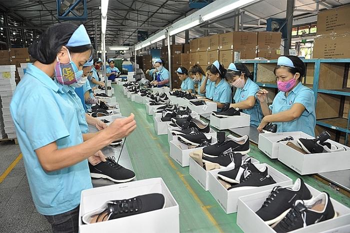 Xuất khẩu giày dép tăng ấn tượng đạt 8,4 tỷ USD