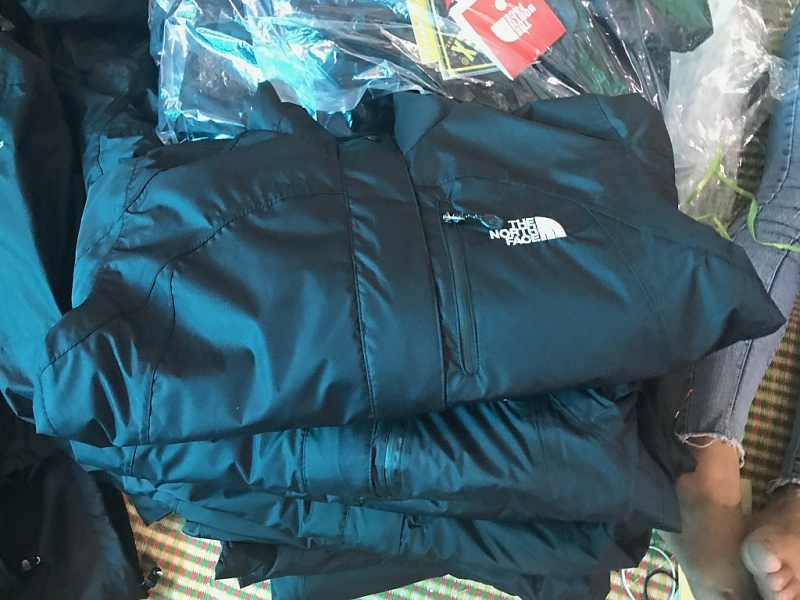 dot kich co so san xuat hang nhai thuong hieu the north face my tai hung yen