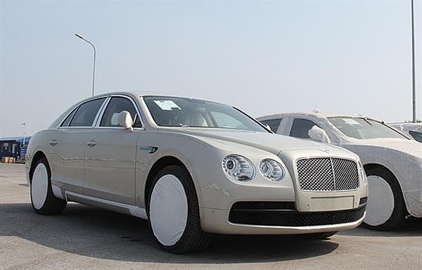 Tháng thứ 3 trong năm lượng ô tô nhập khẩu vượt 10.000 xe