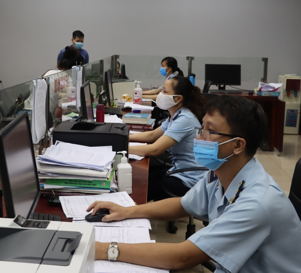 Hải quan cửa khẩu Lào Cai thông quan lượng hàng hóa trị giá 6 triệu USD trong 4 ngày nghỉ