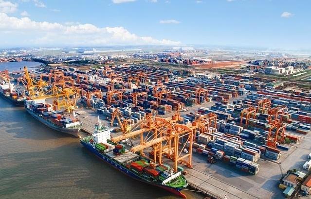 Xuất nhập khẩu tăng mạnh trong nửa cuối tháng 8, đạt 2 tỷ USD mỗi ngày