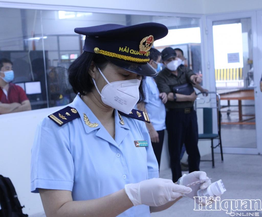 Hình ảnh bắt giữ hơn 60.000 viên thuốc điều trị Covid-19