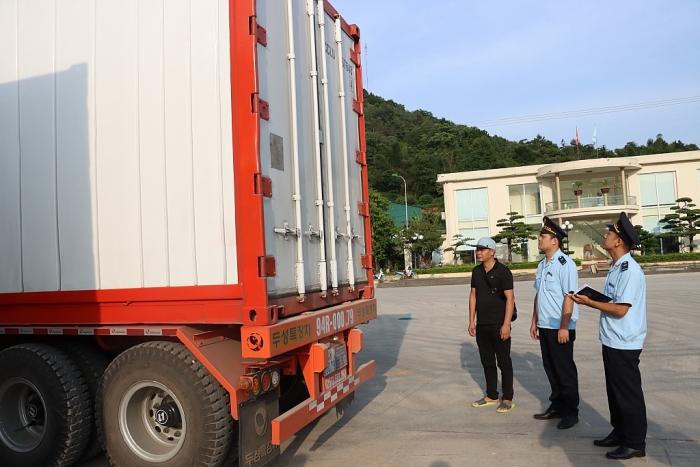 Hải quan Cao Bằng thu ngân sách tăng 74%