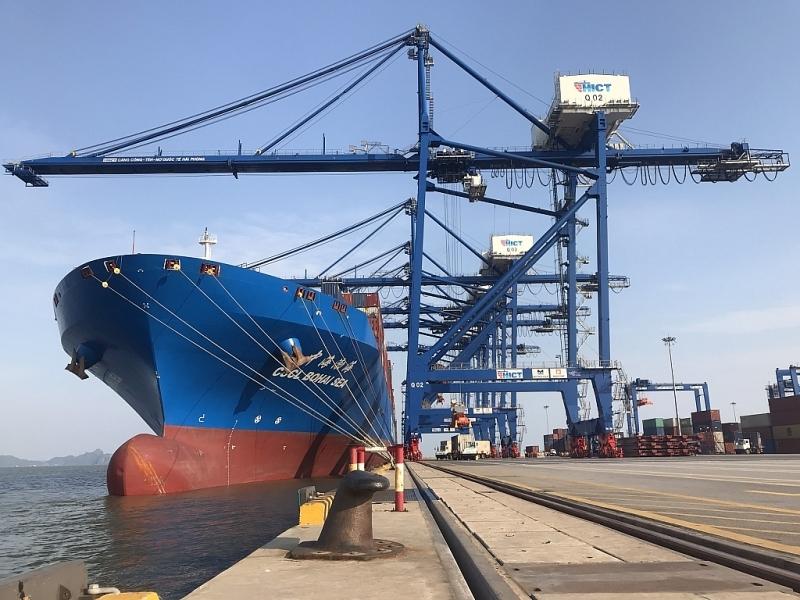 Trao Giấy chứng nhận đăng ký đầu tư bến số 5, 6 cảng quốc tế Lạch Huyện, Hải Phòng