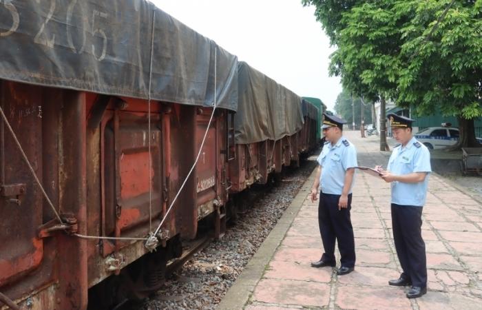 """Hải quan ga đường sắt quốc tế Lào Cai nỗ lực thực hiện """"mục tiêu kép"""""""