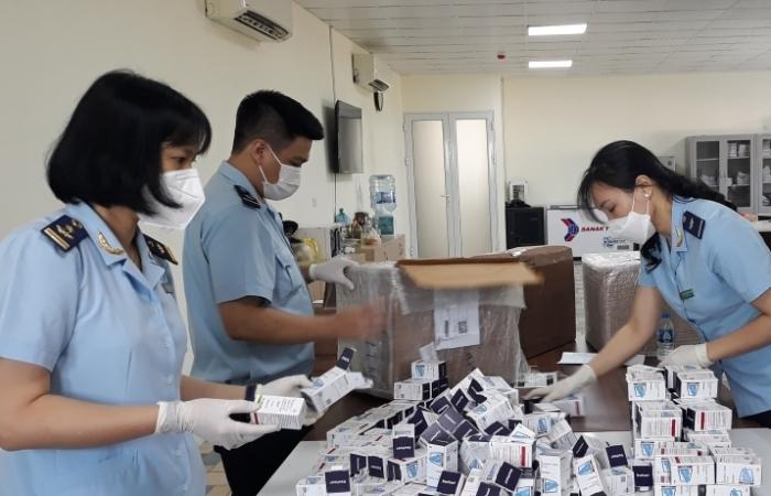 Tiếp tục phát hiện 17.000 viên thuốc điều trị Covid-19, điều trị ung thư nhập lậu