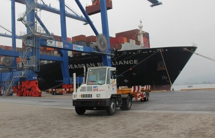 Hải quan Hải Phòng phối hợp kiểm tra thu phí cảng biển