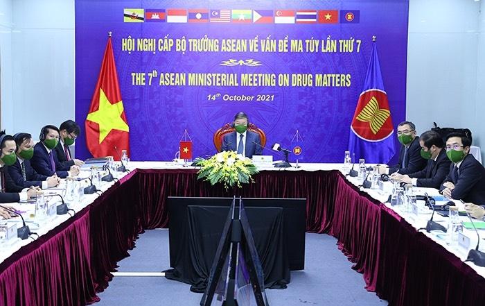 Các Bộ trưởng ASEAN thảo luận về vấn đề ma túy
