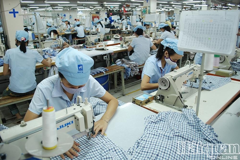 Xuất khẩu máy vi tính, dệt may tăng trưởng hàng trăm triệu USD