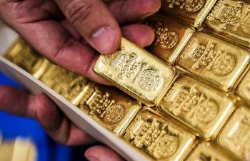 Giá vàng biến động nhẹ, giá USD ổn định