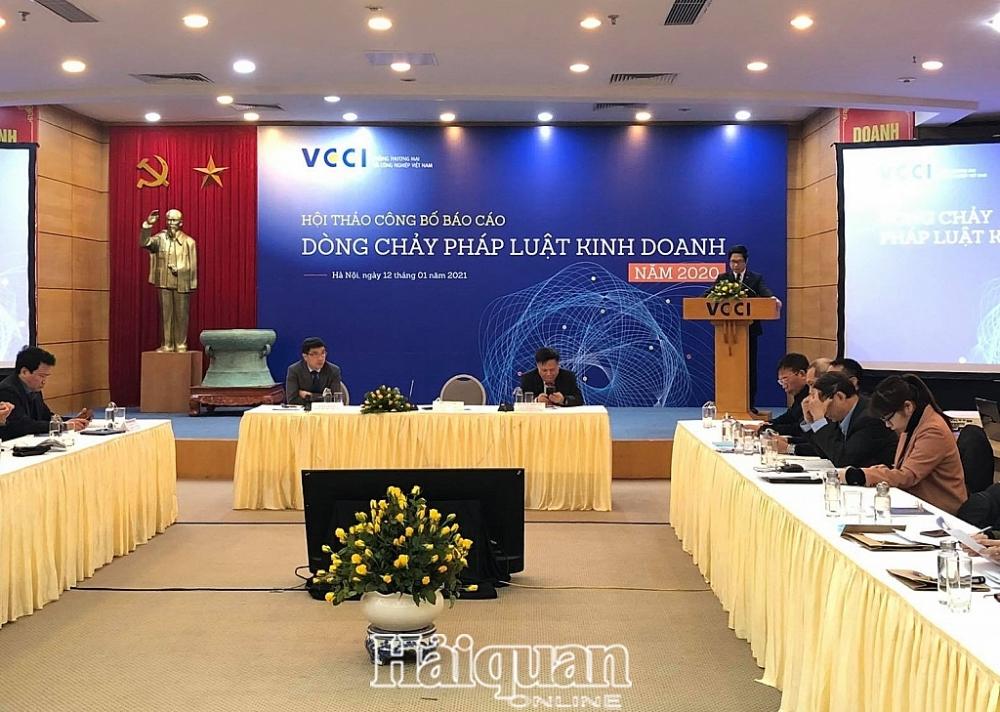 TS. Vũ Tiến Lộc, Chủ tịch VCCI phát biểu tại Hội thảo. Ảnh: H.Dịu