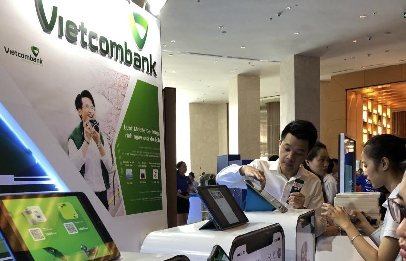 Tiết kiệm 50% chi phí giao dịch, nhưng lo ngại an ninh mạng với ngân hàng số
