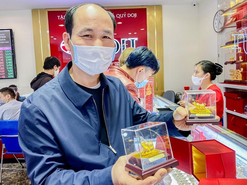 Năm nay, các cửa hàng kinh doanh vàng đều cho ra mắt nhiều sản phẩm vàng độc đáo, với nhiều mức giá thuận tiện cho khách hàng lựa chọn. Ảnh: H.Dịu